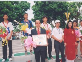 Giải chạy Báo Hà Nội vì Hòa Bình